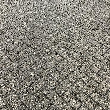 10000m2 betonklinkers, keiformaat, 8cm dik, grijs, wkl